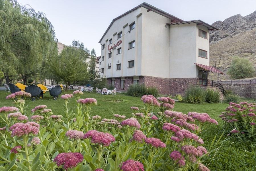 هتل گاجره در بهار